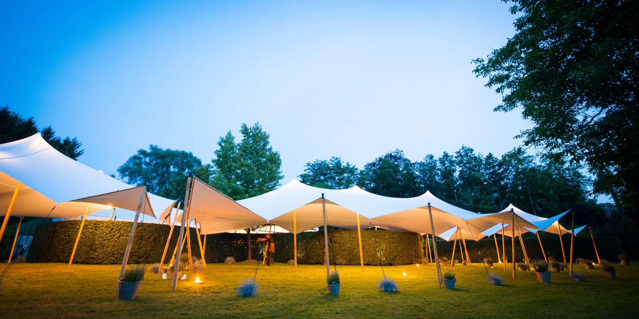 All loc location et vente de tentes haut de gamme en for Vente en location